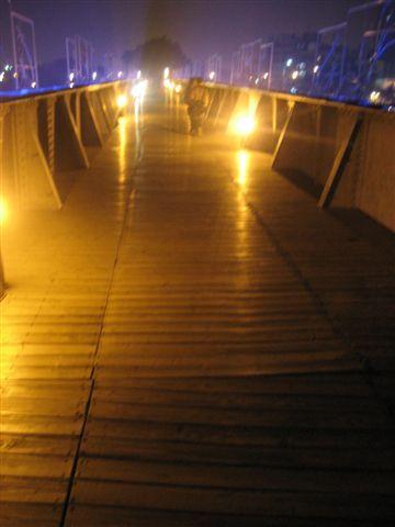 愛河邊..蠻美的橋-2