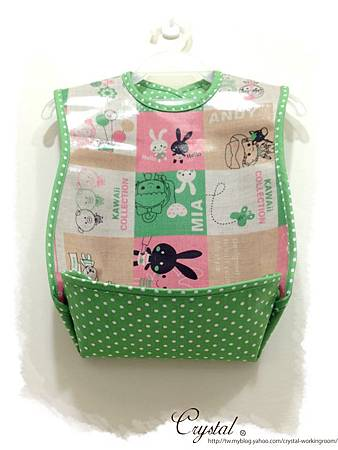 Hello兔兔-防水立體口袋吃飯圍兜-1.jpg