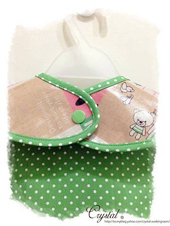Hello兔兔-防水立體口袋吃飯圍兜-5.jpg