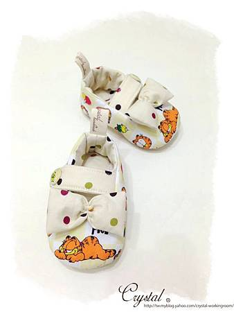 蝴蝶結趴睡加菲貓-寶寶扣帶鞋-2.jpg