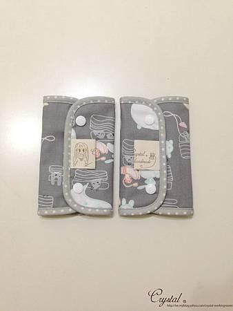 小妖怪-灰粉-Ergo背巾口水巾-1.jpg