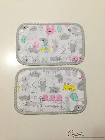 小妖怪-灰粉-Ergo背巾口水巾-4.jpg
