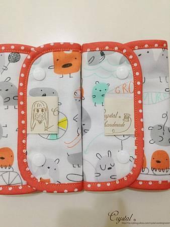 小妖怪-橘-Ergo背巾口水巾-5.jpg
