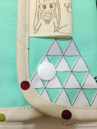 小妖怪-綠-跳傘-Ergo背巾口水巾-6.jpg