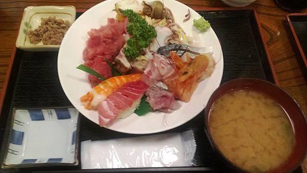 入谷站的【齊藤割烹】海鮮蓋飯
