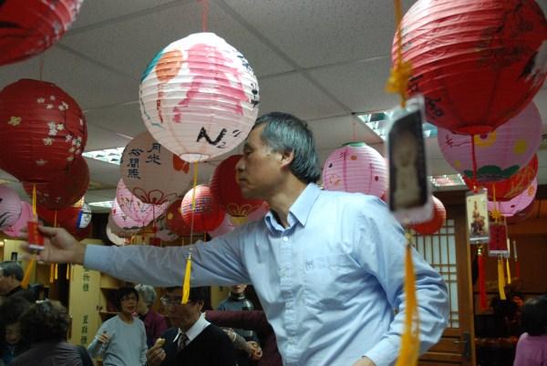100.02.17中山請燈祈福平(蘋)安_8512