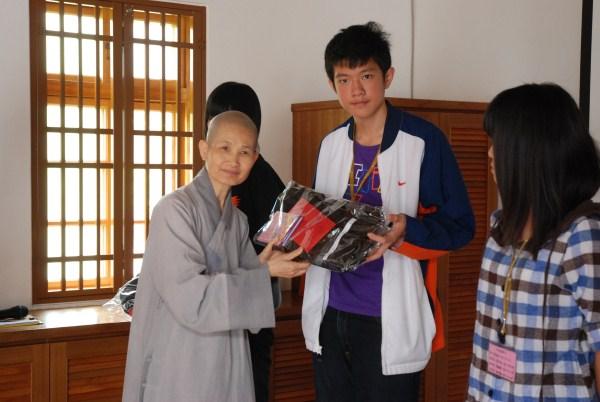 101.05.05頒第20期獎助學金參訪及茶山房肥皂文化館_8646