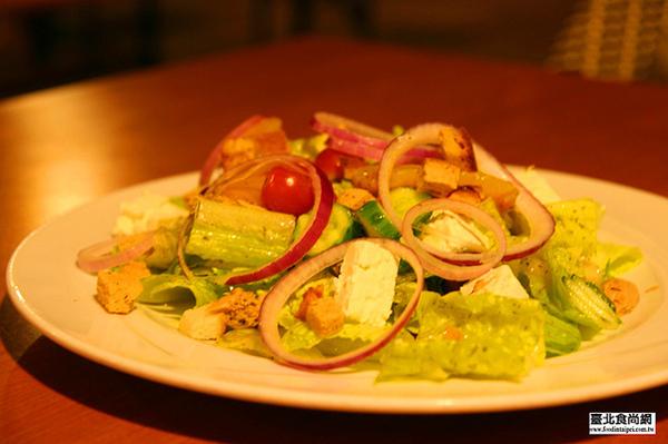 地中海式鮪魚鮮蔬沙拉.jpg
