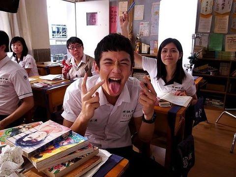 其實,我們喜歡上學,只是不喜歡上課,我們都懷念那些曾經一起玩鬧一起大笑的時光。