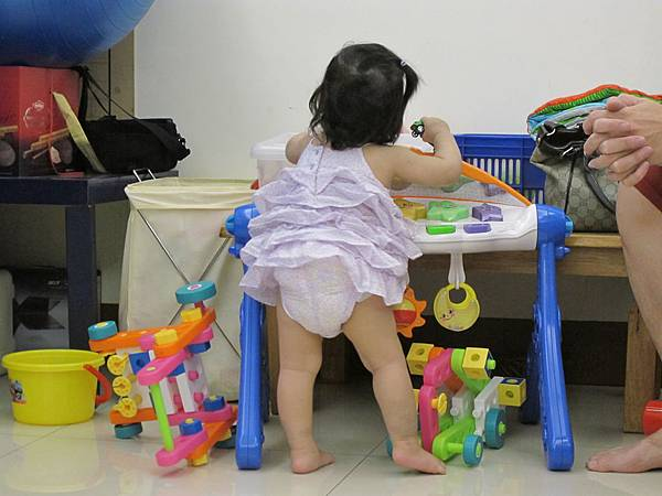 【14M10D】腿腿好可愛.JPG