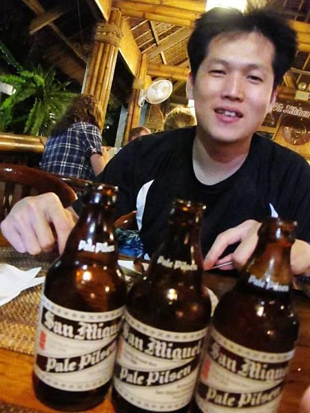 【長灘島】Nigi Nigi-三瓶啤酒.JPG