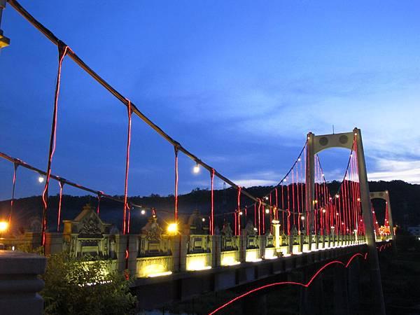 【大溪】大溪橋-愈夜愈美麗.JPG
