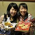 【姐妹聚】廖小P帶來的訂婚喜餅和蔣小芬帶來的起司蛋糕拼盤