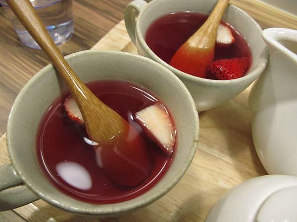 覆盆子草莓香茶.JPG