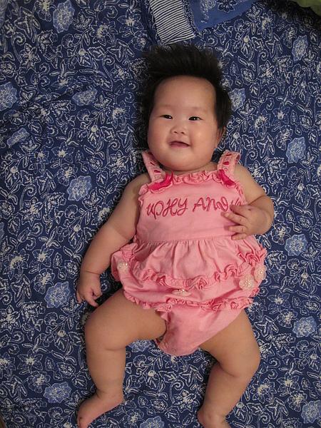【8M3D】穿上卉彤姊姊小時候的衣服