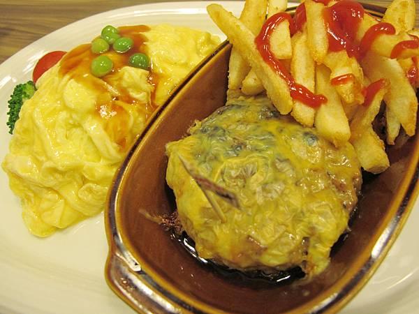 漢堡肉排蛋包飯.JPG