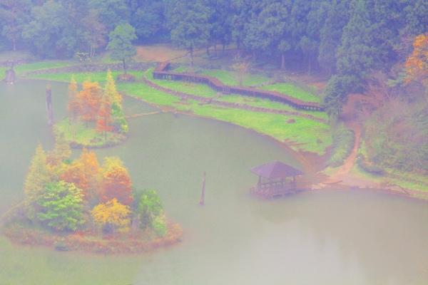 1明池楓紅意境幽邃之美