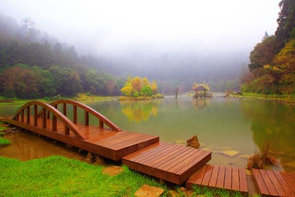 6明池楓紅意境幽邃之美