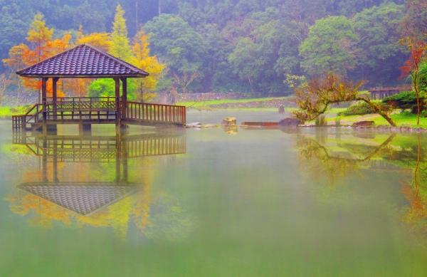 7明池楓紅意境幽邃之美