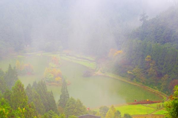 20明池楓紅意境幽邃之美