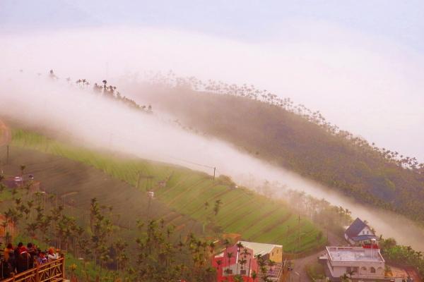 8美麗的秋在山巒上  二_01