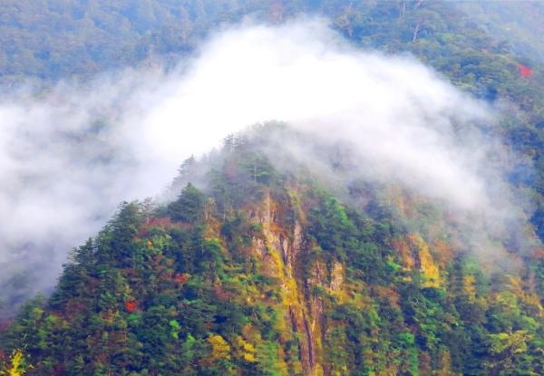 18美麗的秋在山巒上  二_01