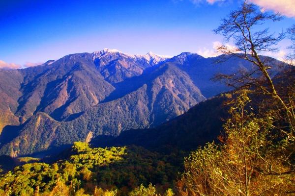 3玉山國家公園     品雪與雲海之美