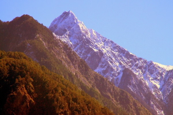 2玉山國家公園     品雪與雲海之美