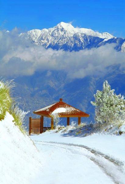 13玉山國家公園     品雪與雲海之美