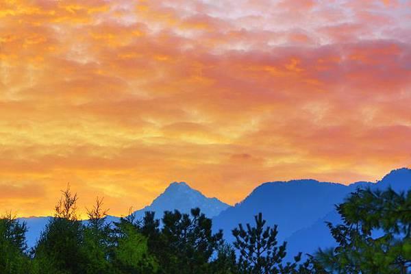 4玉山日出之美
