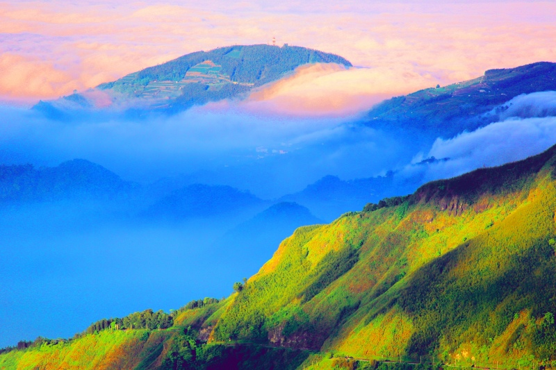 3台灣雲霧波光之美