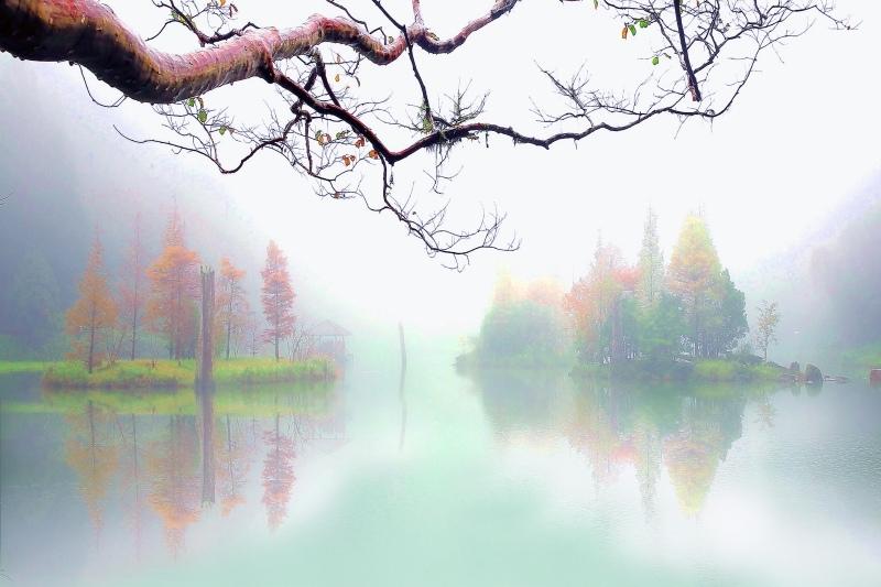 11台灣雲霧波光之美