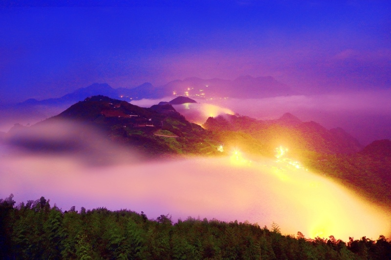 14台灣雲霧波光之美