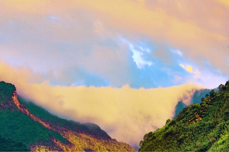 18台灣雲霧波光之美
