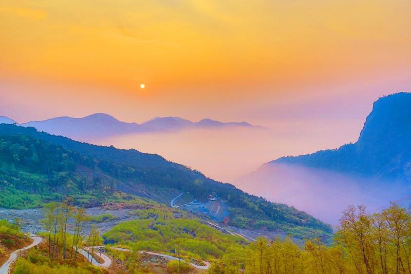 19台灣雲霧波光之美