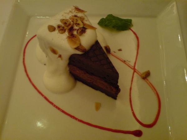 貝里尼巧克力蛋糕