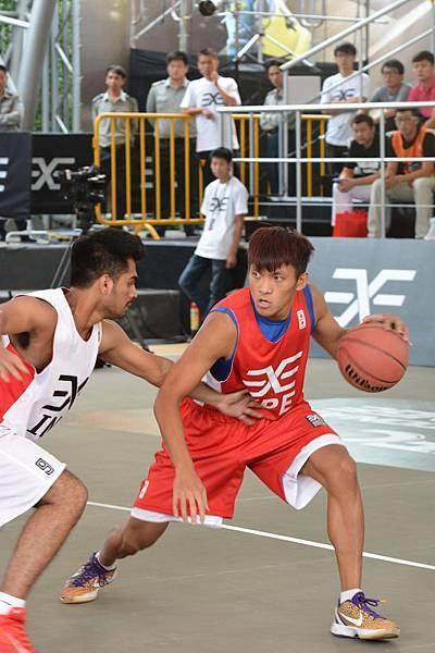 于煥亞(右)表現亮眼,為中華隊攻擊箭頭