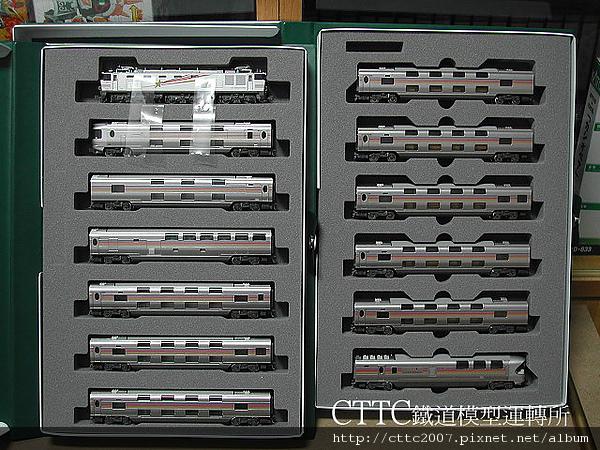 KATO EF510-510號機 + E26系<仙后座>寢台列車