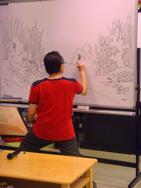 阿彬叔叔現場動手畫畫看5.JPG