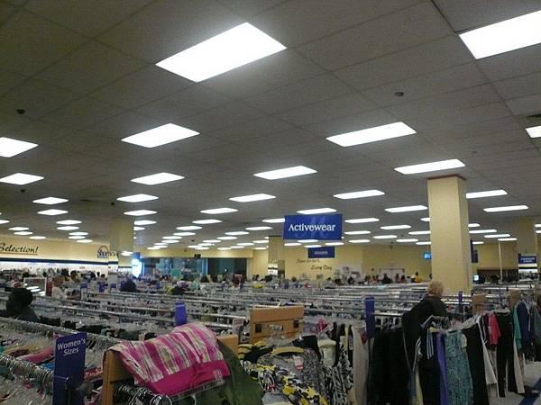 Brooklyn Altlantic的Shopping Mall裡面有Marshall,好好逛好好逛...