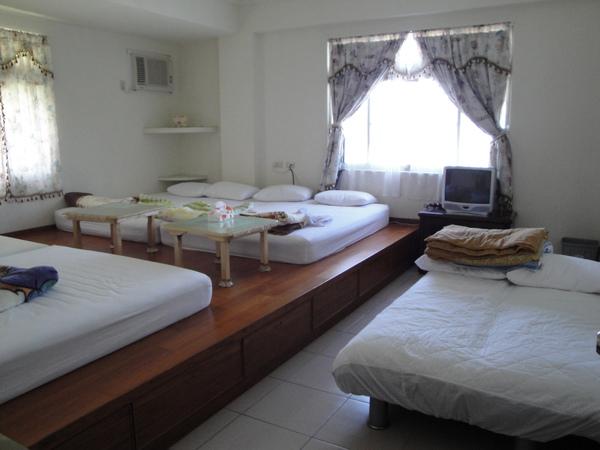 九份民宿悠然居八人套房加2床