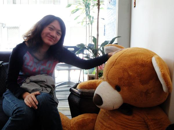 家敏與熊.jpg