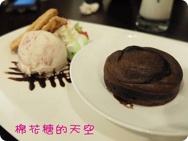 00甜點熔岩巧克力.JPG