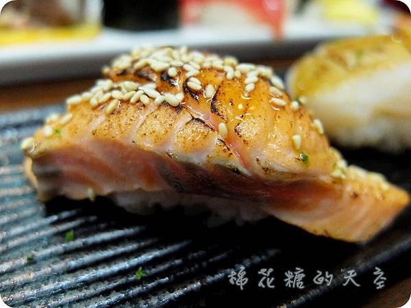 00單點厚切鮭魚.JPG