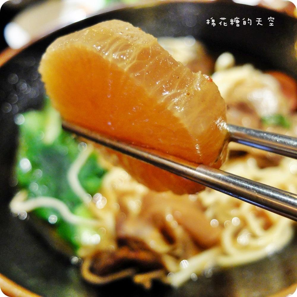 00主食-悶肉麵2.JPG