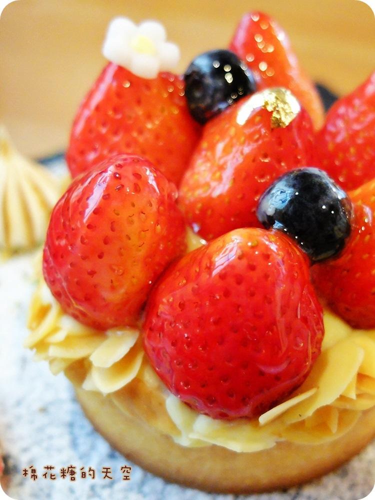 """1450761203 1869621593 - 《台中甜點》窩在巷子裡的甜點店""""窩巷""""季節限定草莓塔鮮紅欲滴~每日限量的喔!還"""