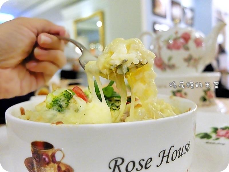 玫瑰園餐點焗飯2.JPG