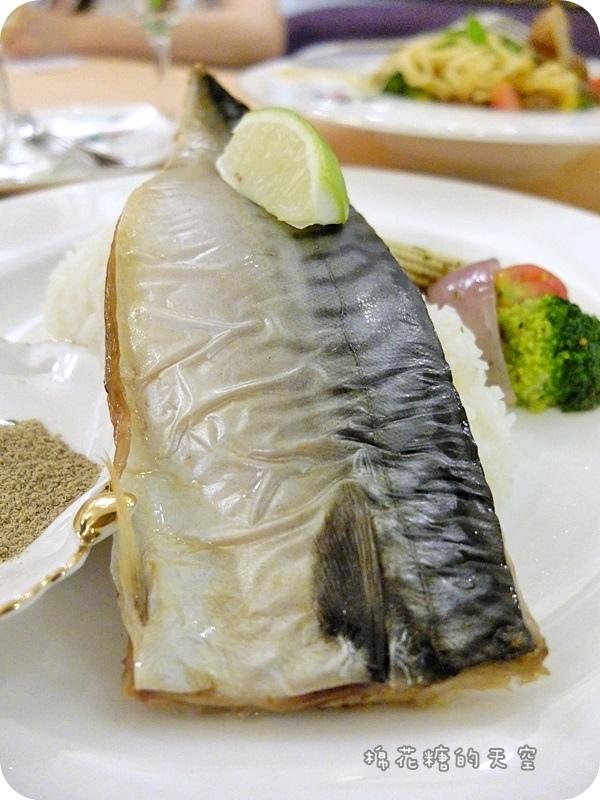 玫瑰園餐點魚2.JPG