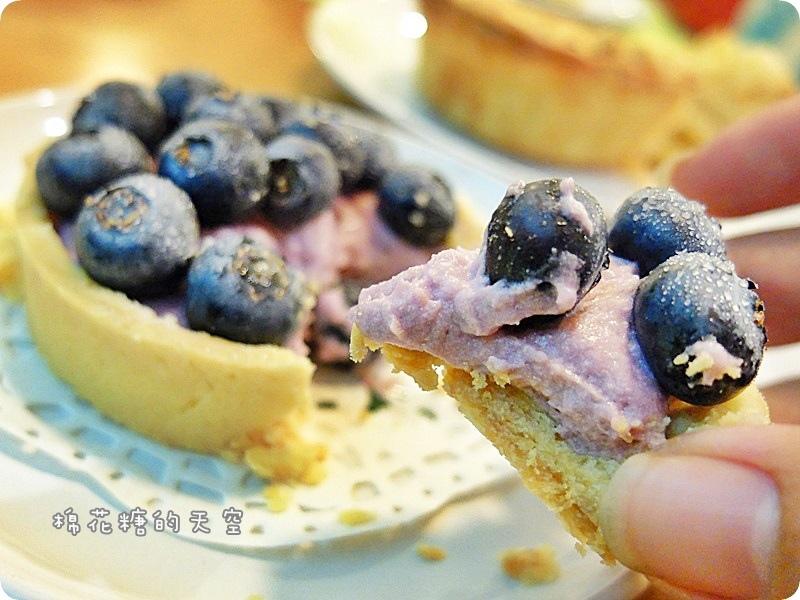 00甜點藍莓塔4.JPG