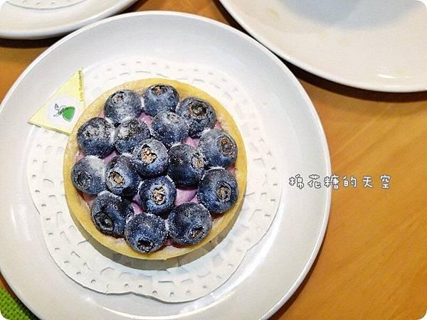 00甜點藍莓塔2.JPG
